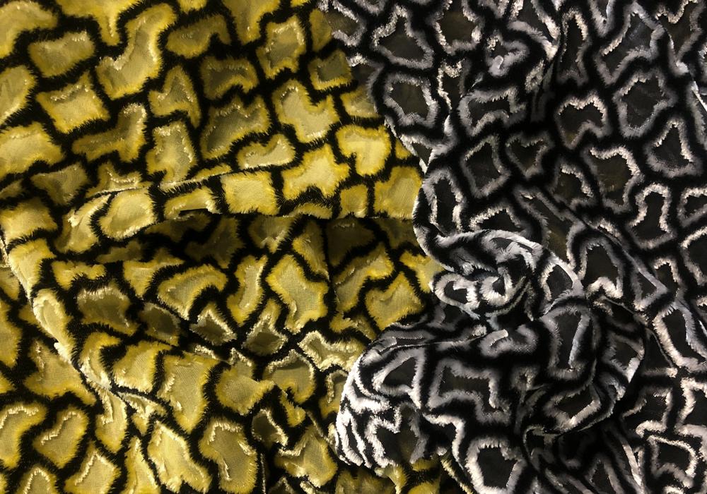 VELOURS DE LYON - Déclinaison de velours - Velours jacquards, unis, froissés, gaufrés, peints main - LYON